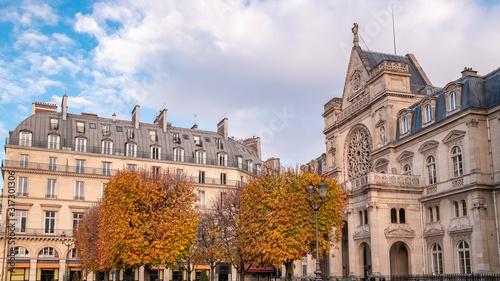 Fotomural Paris, view of the Saint-Germain-l'Auxerrois church, near the Rivoli street, wit