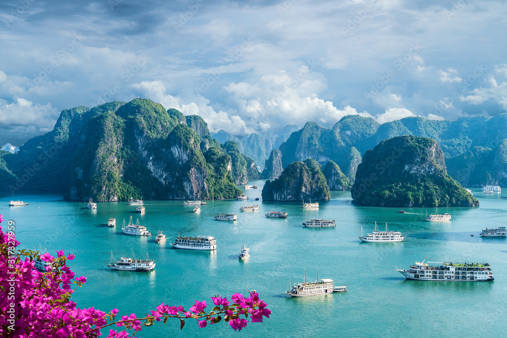 Fototapeta Landscape with amazing Halong bay, Vietnam