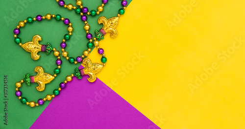 Fotomural Mardi gras decoration beads Colorful background