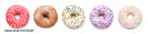 Photo Sweet tasty donut on white background