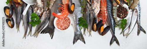 Cuadros en Lienzo Fresh fish and seafood