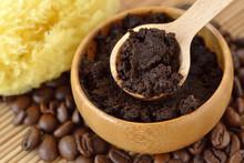 Homemade Coffee Scrub Face Mas...