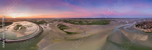vue aérienne de la baie de Somme près du Crotoy Wallpaper Mural