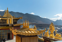 The Roof And The Golden Architectural Statue Of Song Chan Lin Temple Yunnan, China