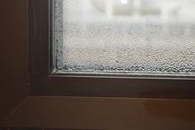 Nasses Fenster