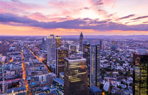 Aerial view over the skyscrapers of  Frankfurt at sunset фототапет