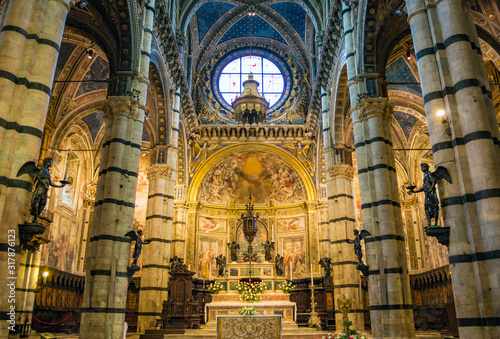 Photo Siena, Italy - CIRCA 2013: The altar of Siena Cathedral.