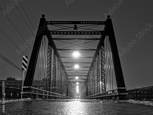 Obraz na płótnie Most 3D nad wodą w centrum Grand Rapids Michigan