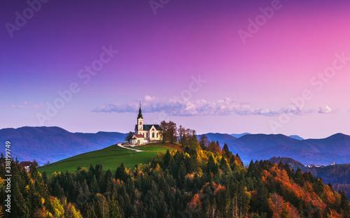 Church of Saint Leonard stands on the Church Hill near the Crni Vrh village Fototapet