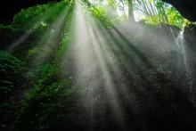 Beautiful Sun Light Rays Shin...