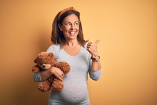Middle Age Pregnant Woman Expe...