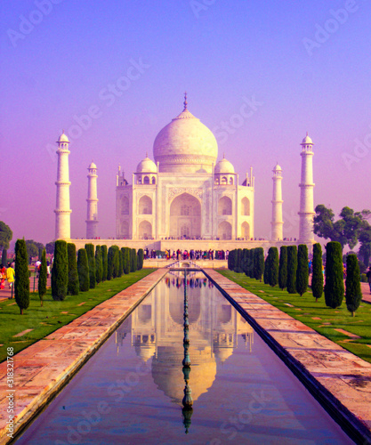 The Taj Mahal is an ivory-white marble mausoleum on the south bank of the Yamuna river in the Indian city of Agra.