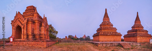 Photo Panorama with ancient shrine and stupas, Bagan, Myanmar
