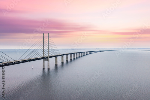 Canvastavla The Oresund bridge between Copenhagen Denmark and Malmo Sweden when sunset in an