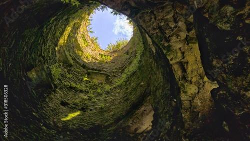 Obraz na plátně low angle view of old ruin