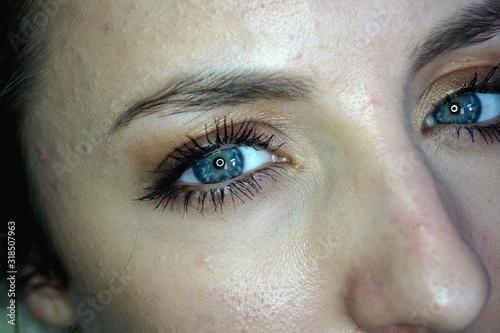Photo Close-Up Portrait Of Woman