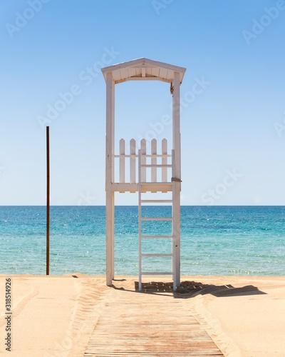 Fotografie, Obraz LIFEGUARD HUT ON BEACH
