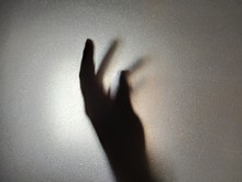 Mains De Lumière