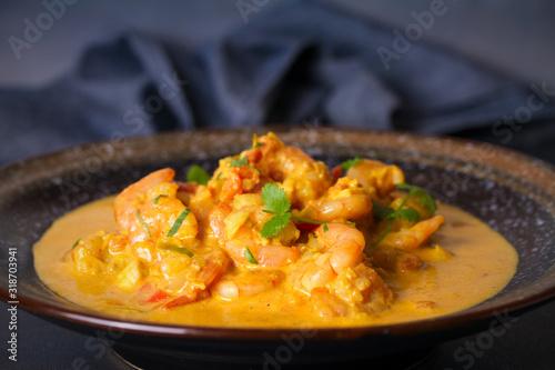 Obraz Bowl of shrimp prawn curry - fototapety do salonu