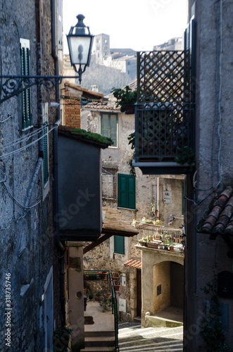 Old street in Anagni, Italy Canvas-taulu