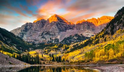 Fototapeta Wschód / zachód słońca Maroon Bells at Sunrise, Aspen, Colorado
