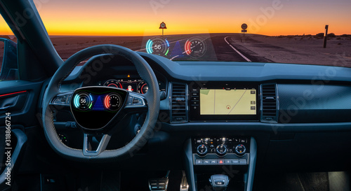 Dashboard sports SUV equipped with a HUD display