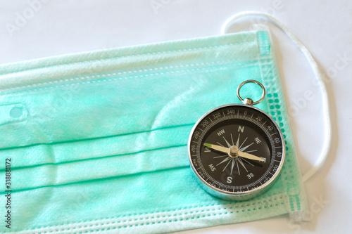 Fotografía Compass on Surgical mask concept