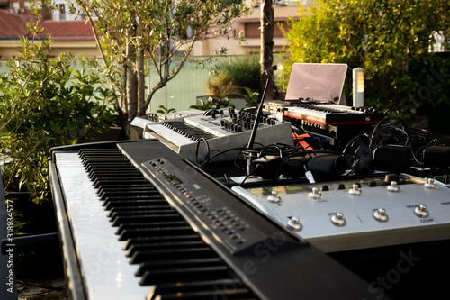 Photo Teclado y aparatos de producción musical