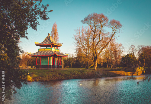 Valokuvatapetti Pagoda in Victoria Park, London