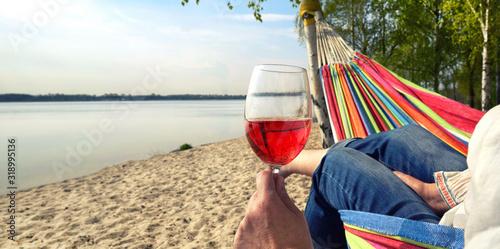 Photo Wein trinken am See