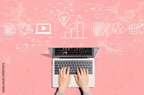 Fotografía Content marketing concept with person using a laptop computer