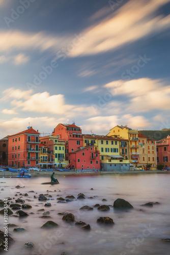 domy-morskie-i-ponownie-budynki