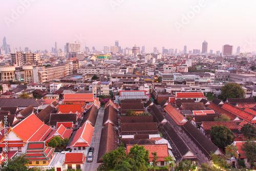 Photo Panorama of the evening Bangkok, a giant metropolis that never sleeps