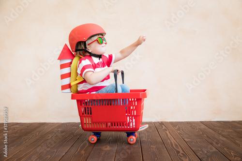 Obraz Happy child playing at home - fototapety do salonu