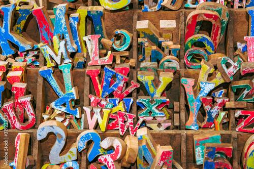 Valokuva Buchstaben durcheinander in einem Setzkasten