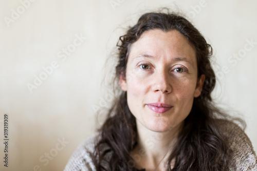 Cuadros en Lienzo portrait jeune femme naturelle