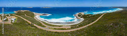 Photo Aerial panoramic view of the road adjacent to Salmon beach which is located in E