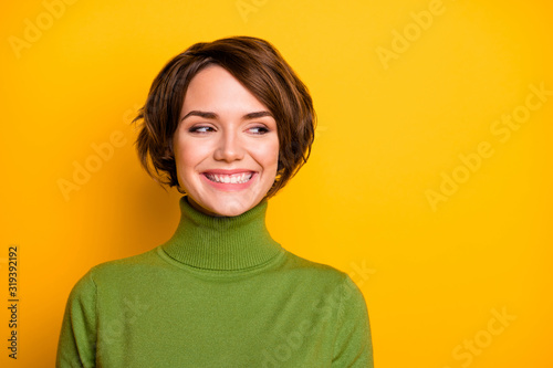 Closeup photo of short hairdo pretty lady charming smiling good mood looking sid Fototapet