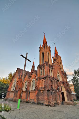 Krasnojarsk - neogotycki kościół katolicki obecnie filharmonia - fototapety na wymiar