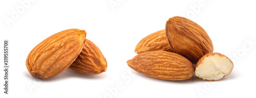 Photo Almonds isolated on white background