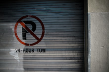 No Parking Mentioned On Closed Shutter