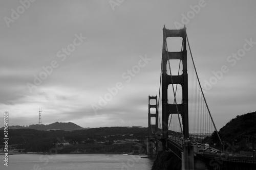 фотография Golden Gate Bridge Against Cloudy Sky
