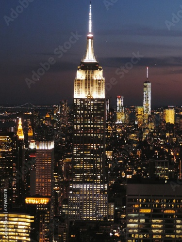 Fotografía View Of Illuminated Cityscape With Empire State Building At Night