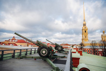 Old Soviet Cannon In Peter And Paul Fortress In Russia, Saint Petersburg, January 2020.  Howitzer  In St.Petersburg, Naryshkin Bastion.