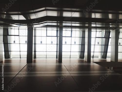 Obraz Interior Of Empty Building - fototapety do salonu