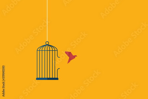 Photo Flying bird and cage