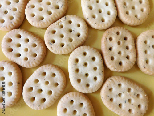 Fotografia Directly Above Shot Of Biscuits On Table