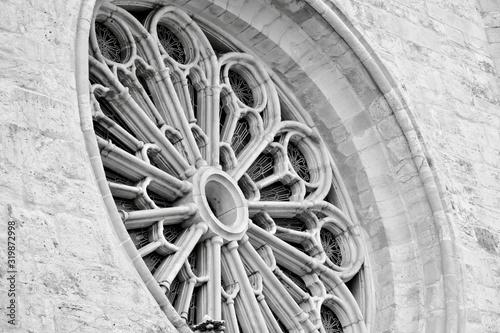 Obraz na plátně black and white round stained glass window
