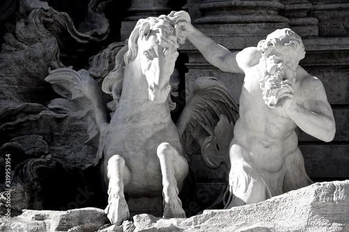 Fotografija Close-Up Of Statues