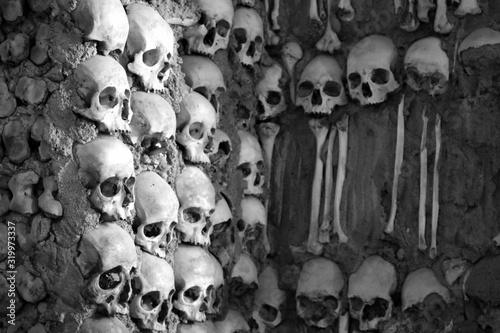 Tela Human Skulls At Capela Dos Ossos